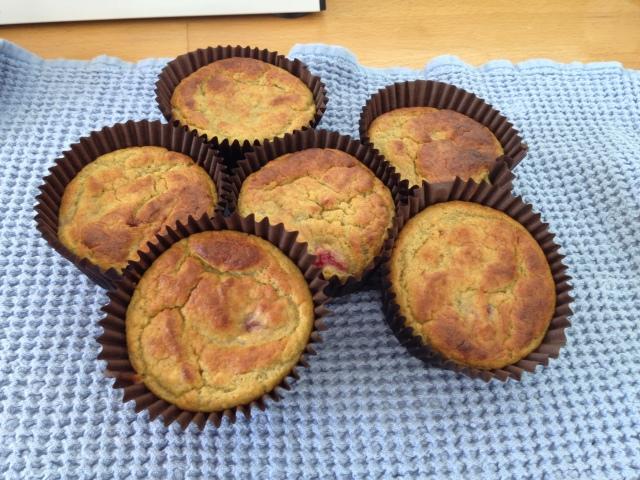 Banana and Berry Muffins